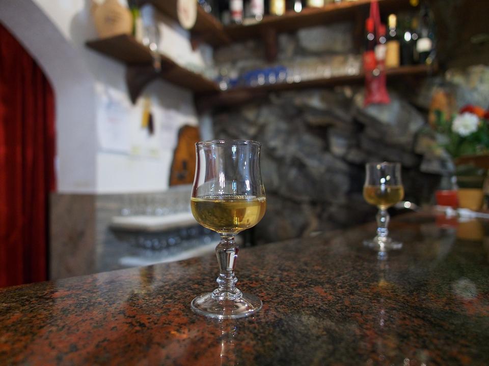 Un buon bicchiere di cipro all'agriturismo Škrgat.