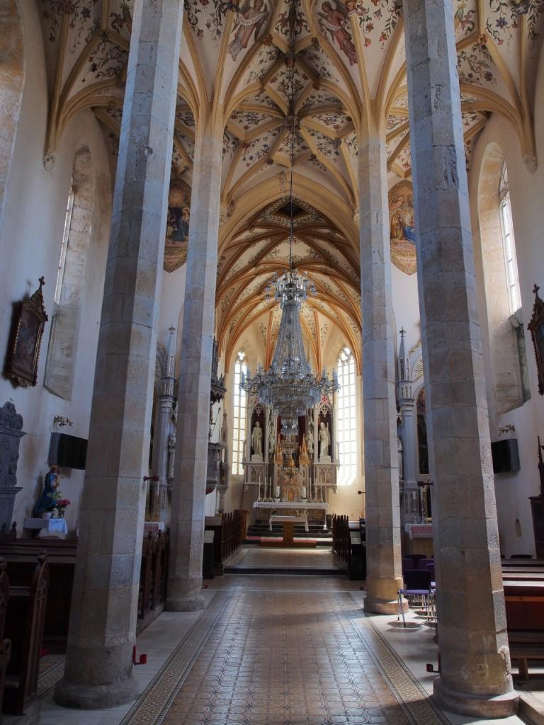 L'interno della chiesa di Šentrupert