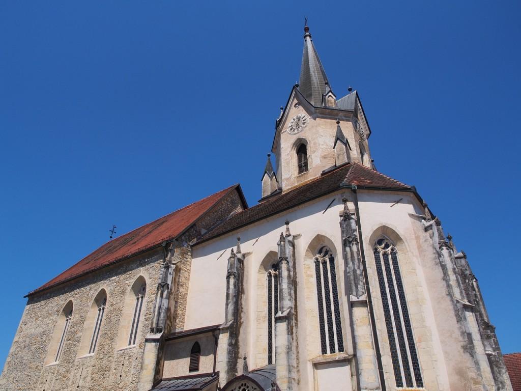 L'esterno della parrocchiale di Šentrupert