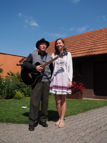 Milan Kreslin con la nostra Sara e l'inseparabile črna kitara