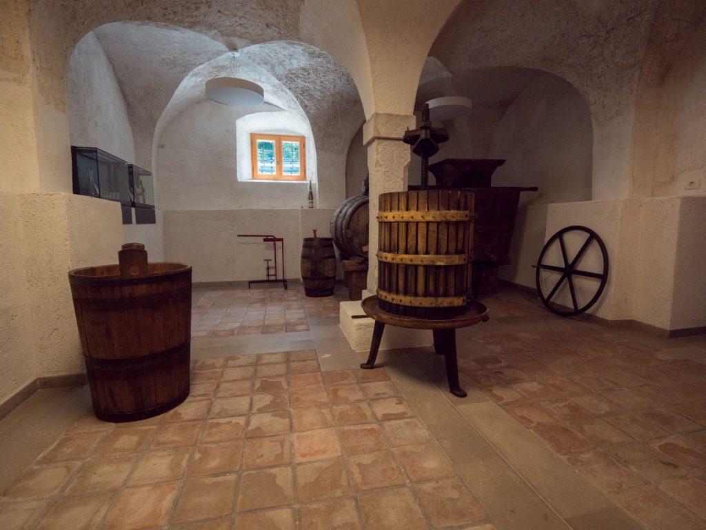 Vipava - Il Museo del vino nella canteina del Palazzo Lantieri