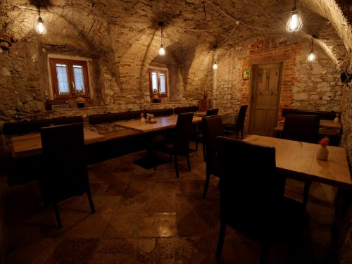 Vipava - Lo splendido interno della Gostilna Krhne