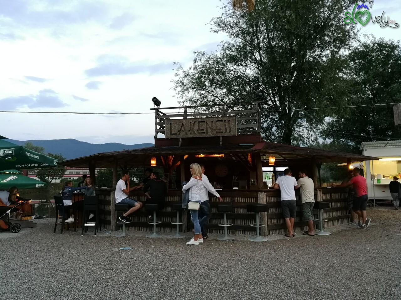 Il bar Lakeness a Volčja Draga