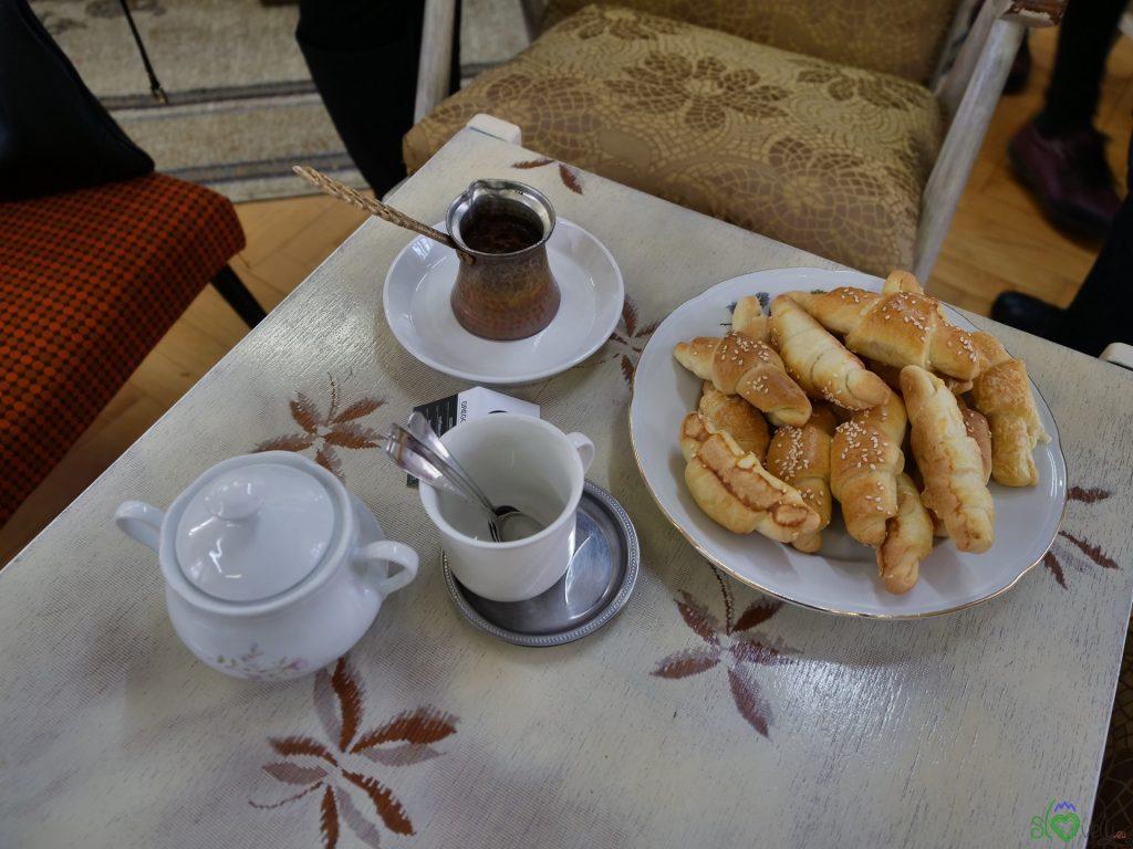 Un ottimo caffè alla Grajska kavarniška popravljalnica