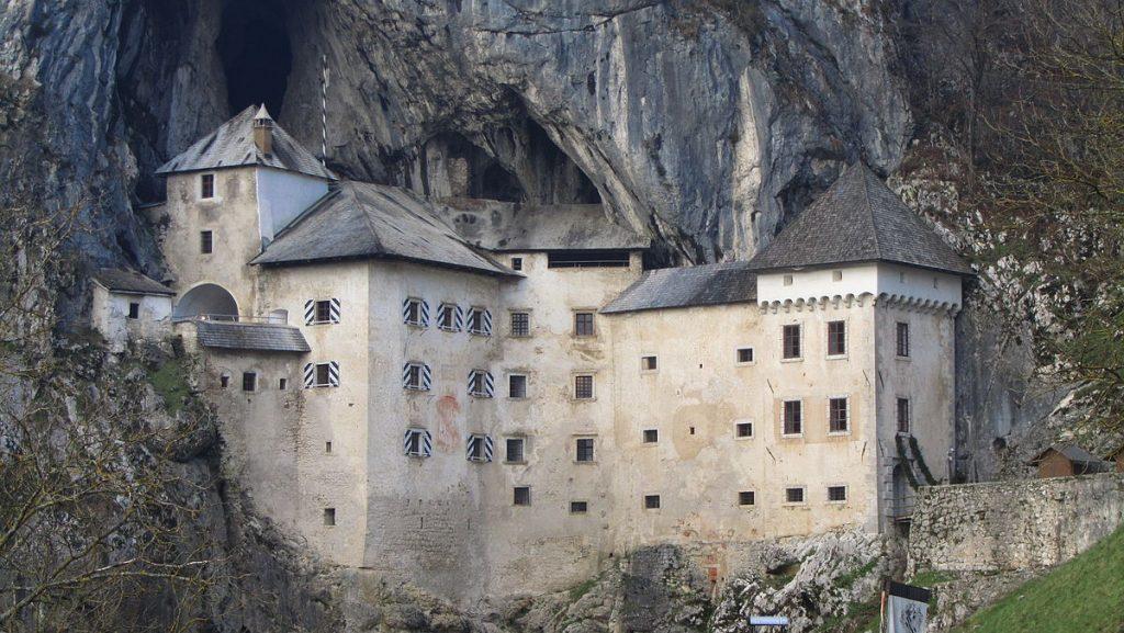 Predjamsi Grad, il castello di Erasmo da Luegg