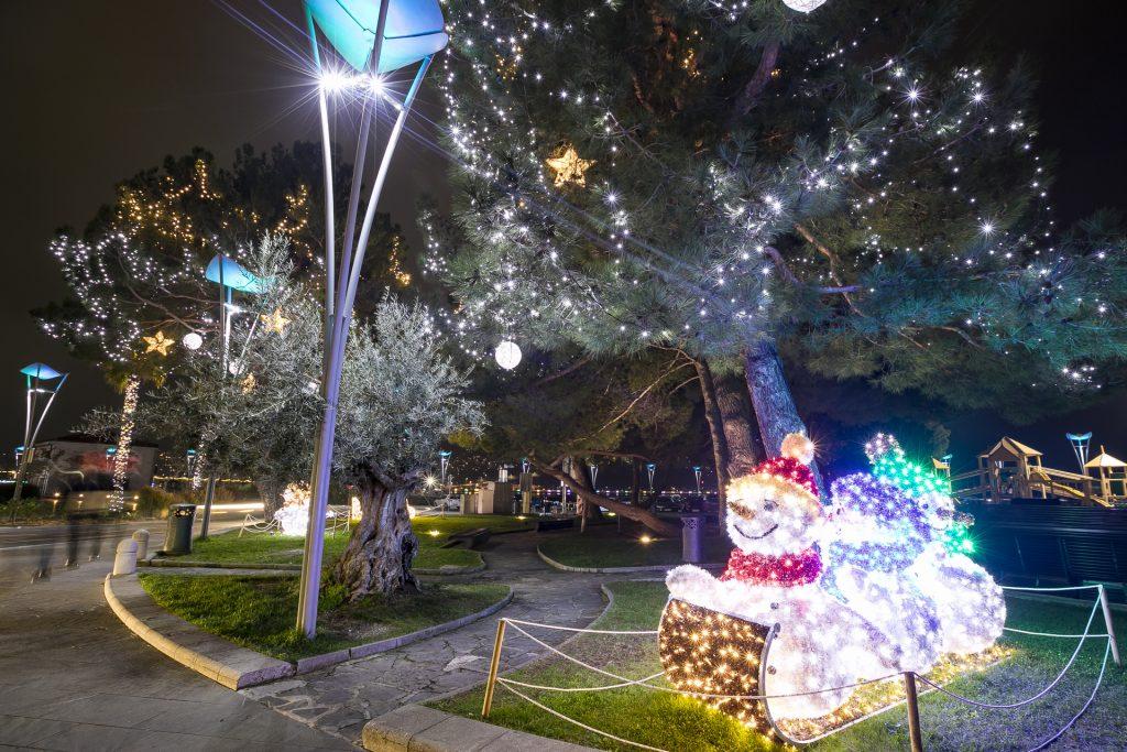 Le splendide illuminazioni natalizie di Čudolandija