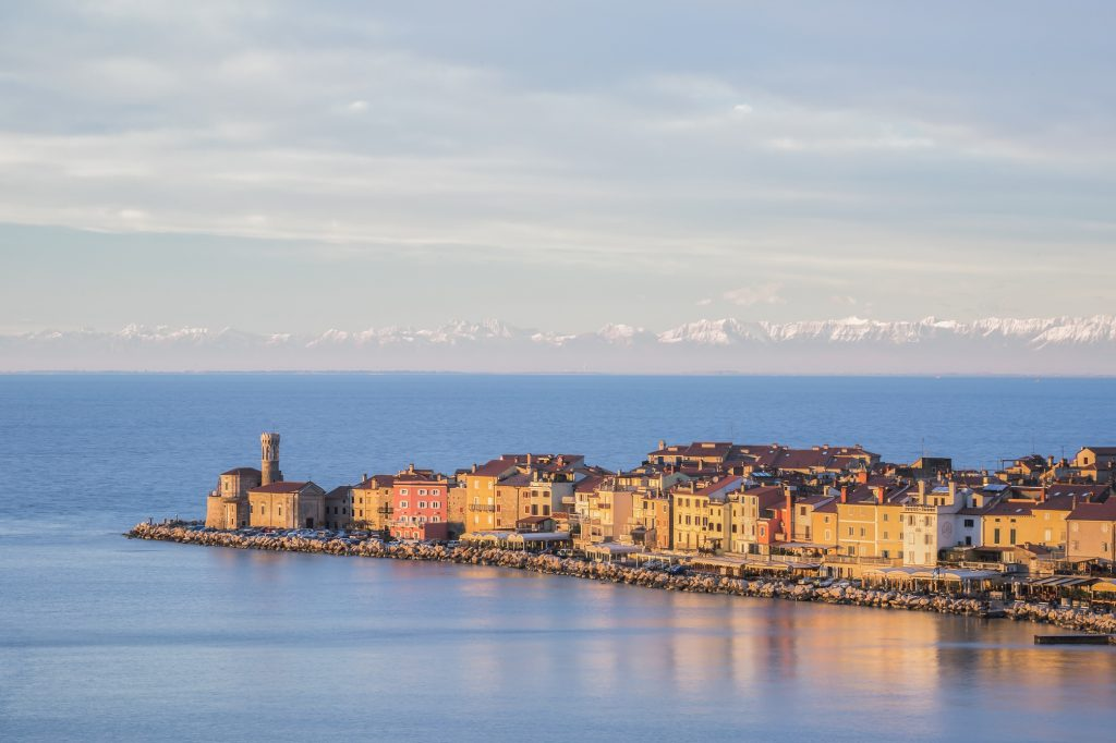 Pirano d'inverno, in una splendida foto di Jaka Ivančič