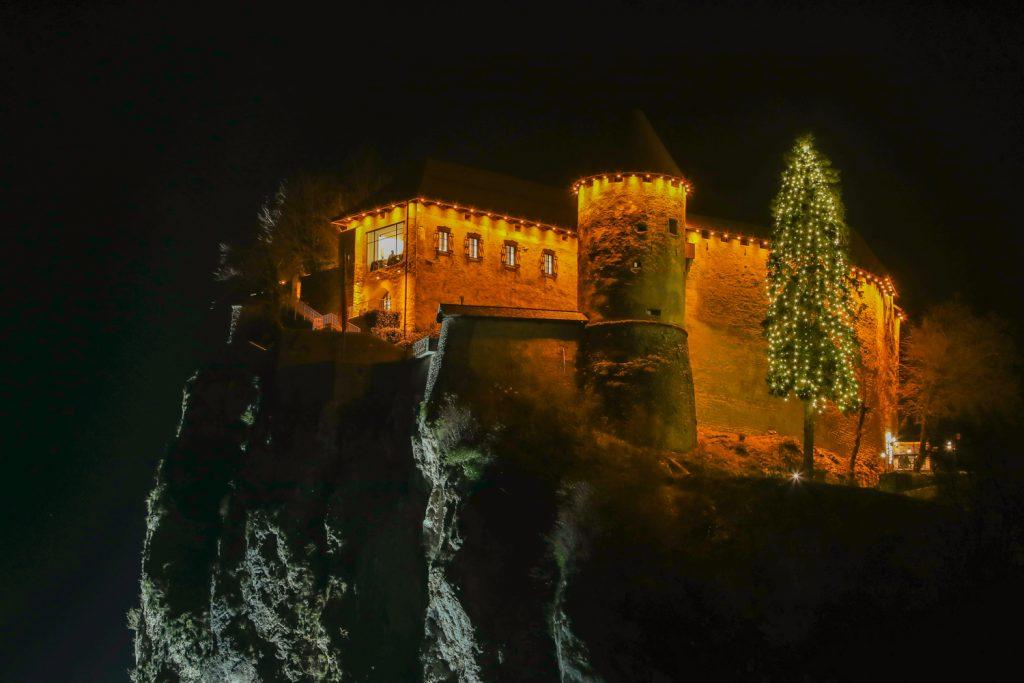 Il castello di Bled addobbato per Natale