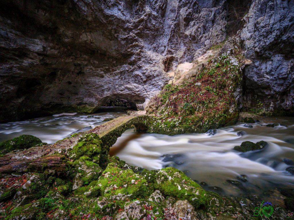La potenza impetuosa del torrente Rak