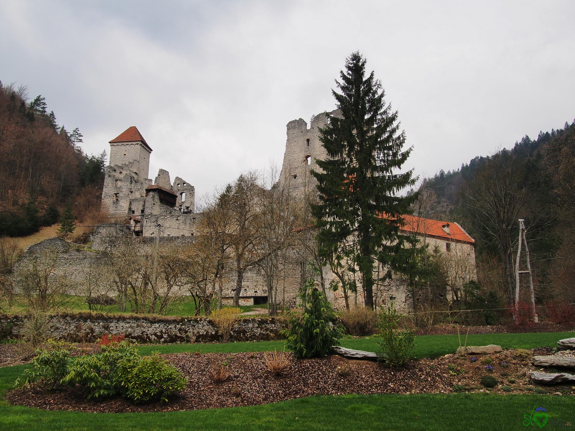 Le rovine del Grad Kamen oggi