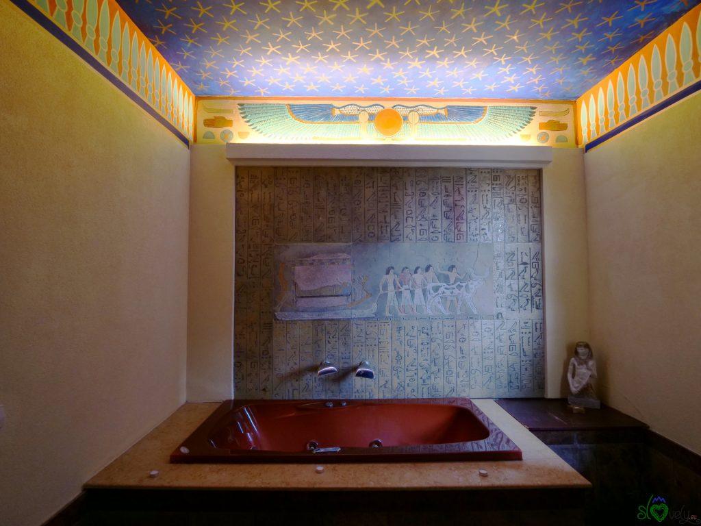 La sala in stile antico egizio