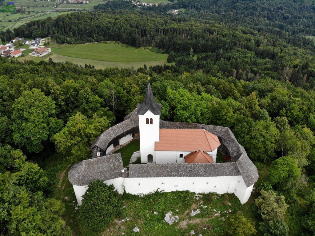 Veduta aerea del Tabor nad Cerovim