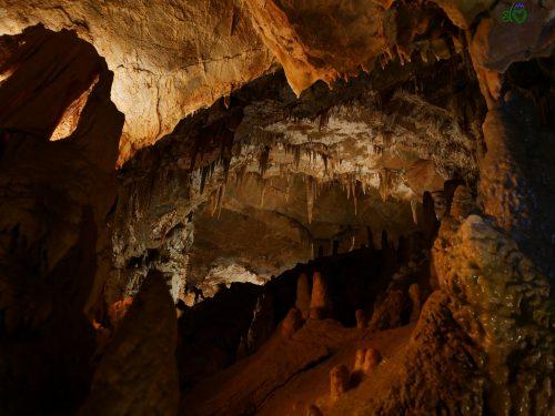 Le splendide conformazioni della grotta.