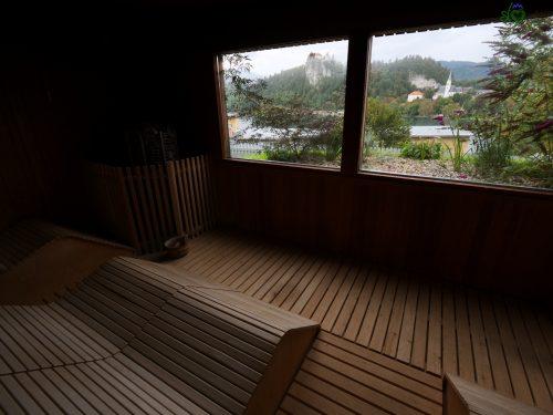 La splendida sauna finlandese con vista sul castello.
