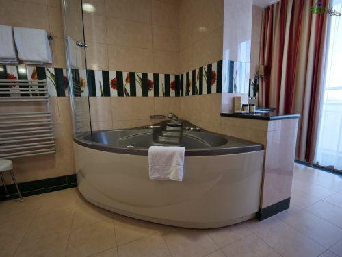 L'idromassaggio con acqua termale in camera.