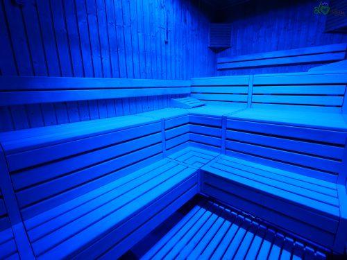 Dentro la sauna a infrarossi.