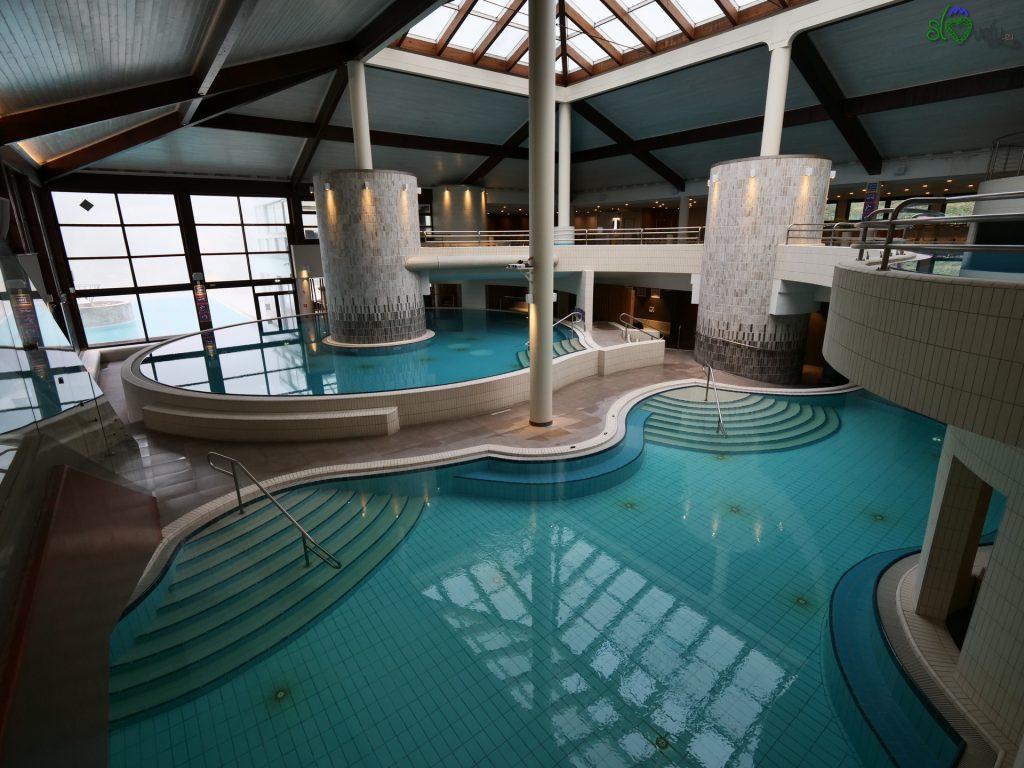 Un parco termale interno su 2 piani, meraviglioso!
