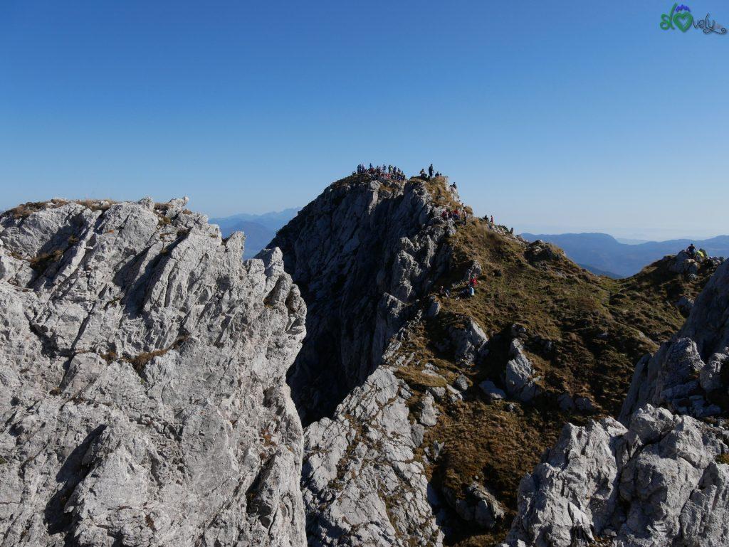 Sulla cima del Viševnik è difficile sentirsi soli!