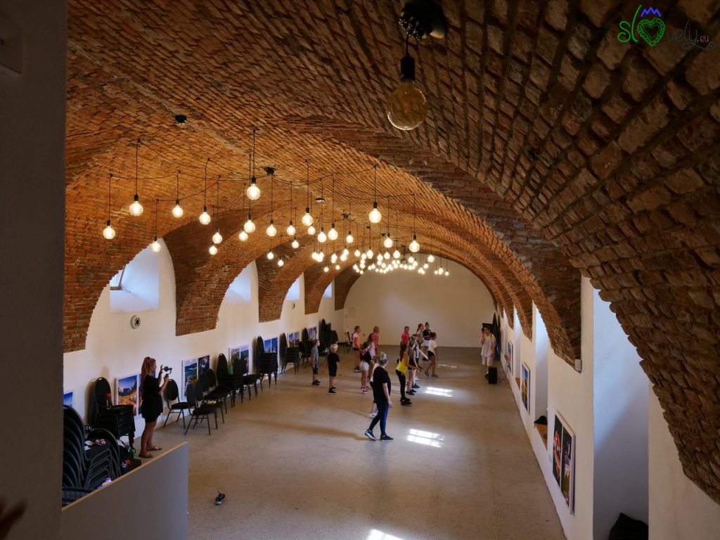 Le cantine del castello possono essere usate per mostre, conferenze o attività per i giovani.