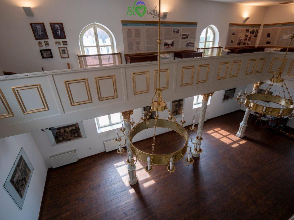 L'interno della Sinagoga, oggi adibita a museo.