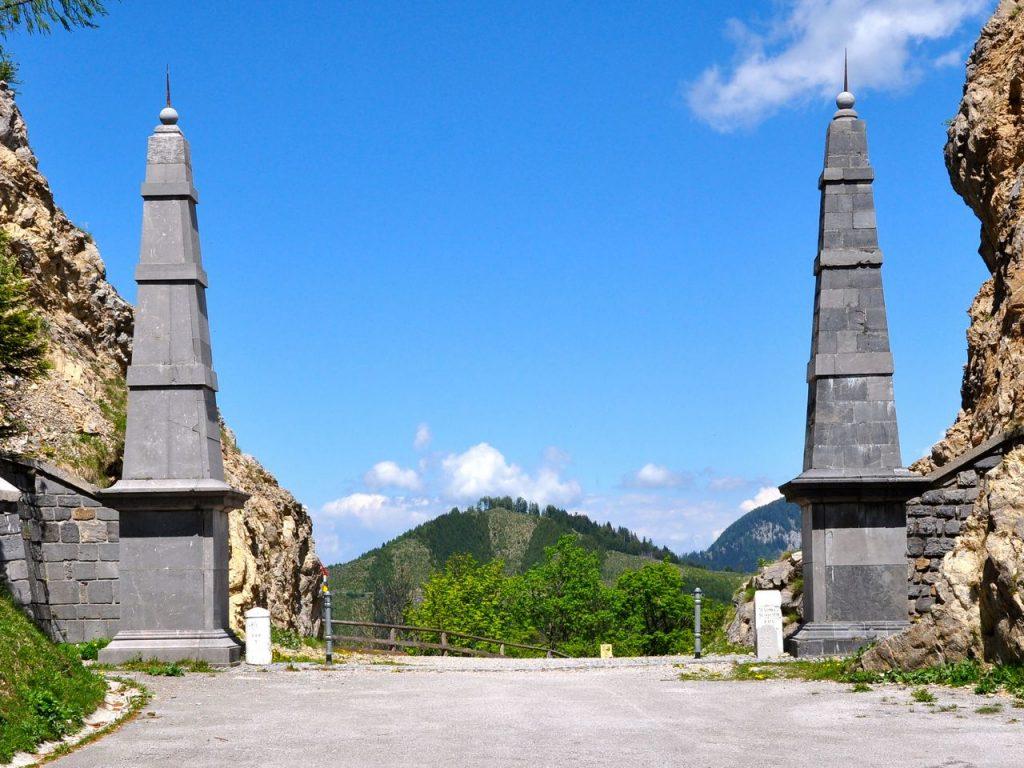 L'antico confine tra Austria e Slovenia sul Loilbpass, oggi meta di escursionisti.