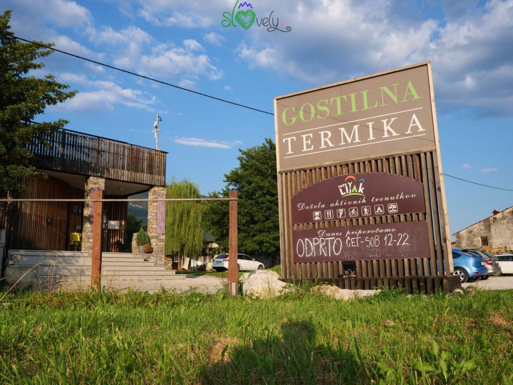 L'ingresso al Park Lijak e alla Gostilna Termika.