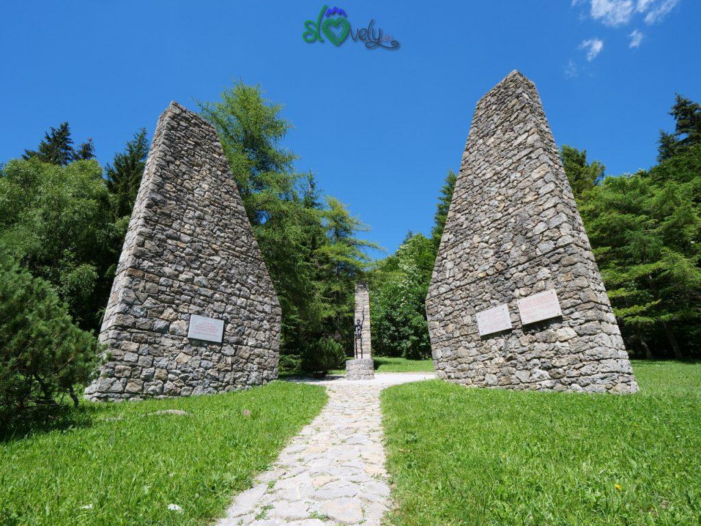 Il monumento commemorativo al campo di concentramento di Ljubelj jug.