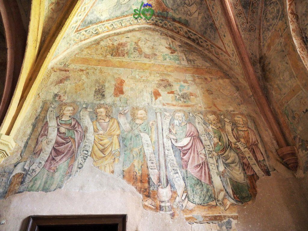 Gli affreschi di Janez Akvila all'interno della chiesa di Turnišče.