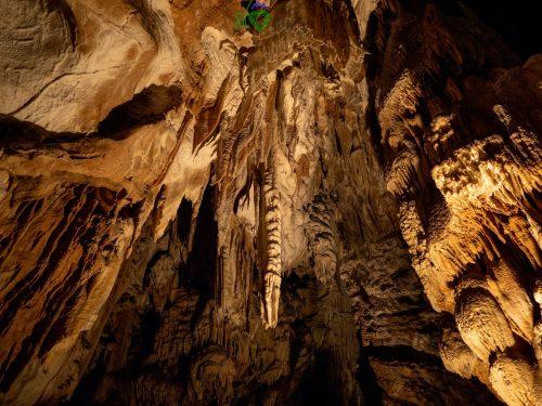 All'interno delle grotte di Postumia.
