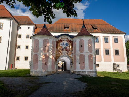 L'ingresso alla Galerija Božidar Jakac.