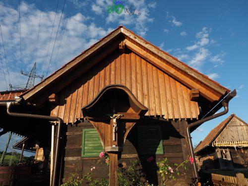 La casa del cviček di Raka.