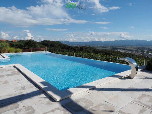 La piscina del ristorante Tri lučke.