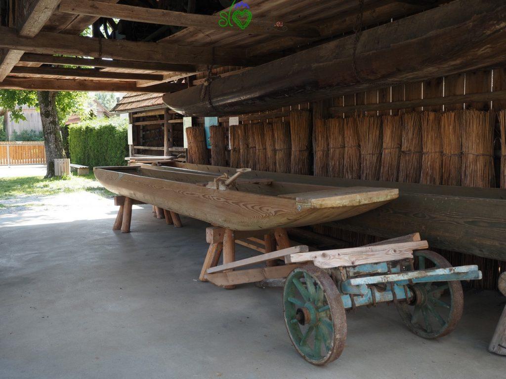 Le imbarcazioni tradizionali del lago di Cerknica.