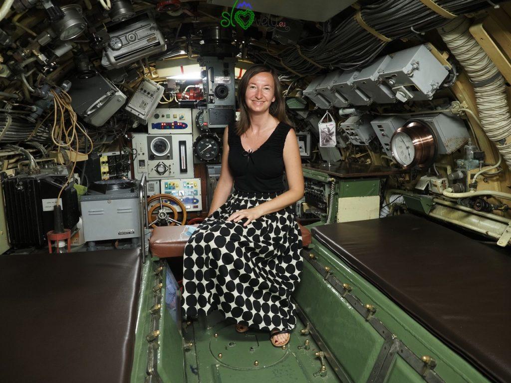 Sara all'interno del sottomarino jugoslavo P-913 ZETA!