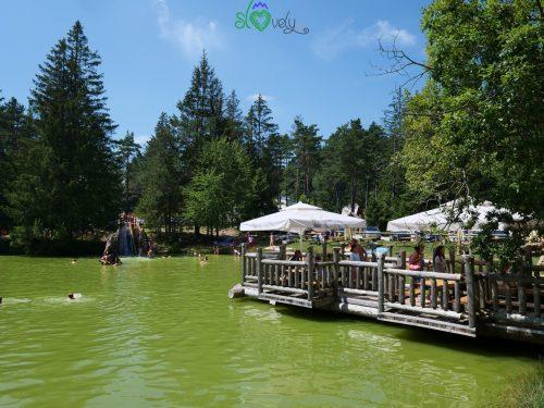 Mangiare sul lago di Bloke.