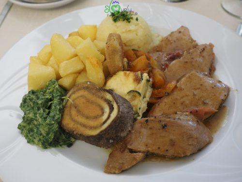 L'ottimo cibo tradizionale.