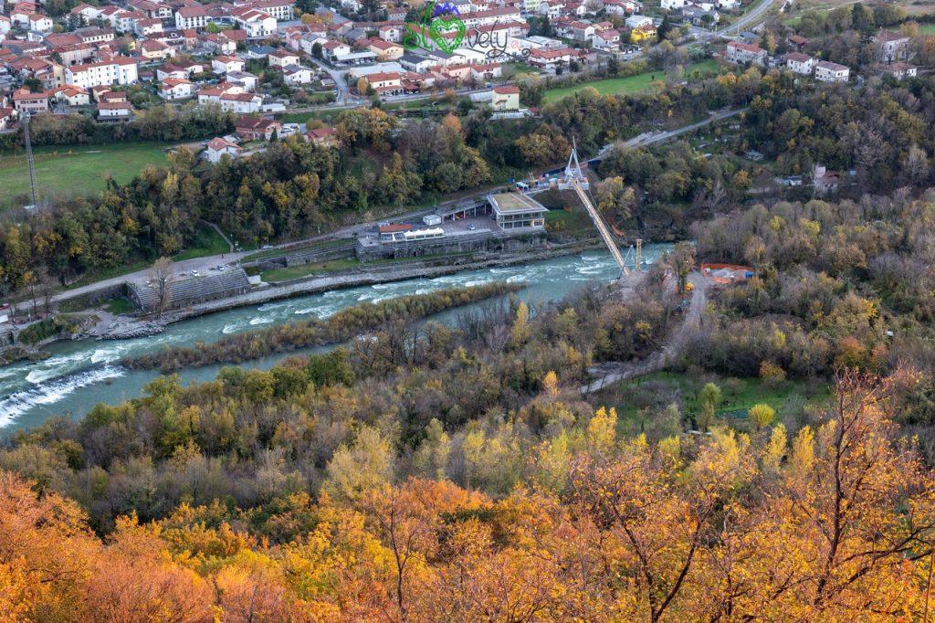 L'Isonzo/Soča a Solkan, col Kajak Klub e il nuovo ponte ciclopedonale.
