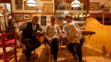 David, Bruna e Miriam Graunar nella loro trattoria Al Ponte del Calvario