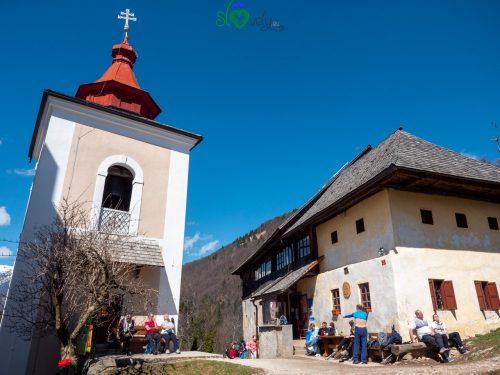 Il campanile e la Stara Mežnarija.