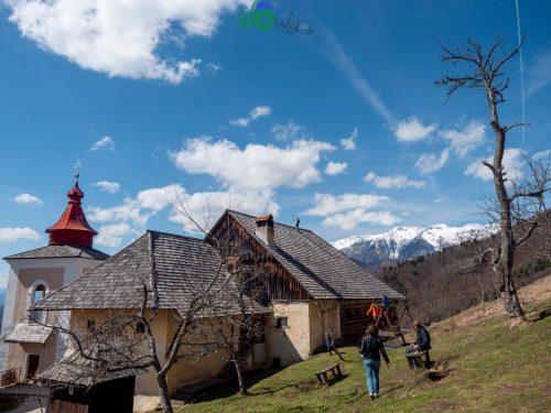 La Mežnarija con le Alpi di Kamnik.