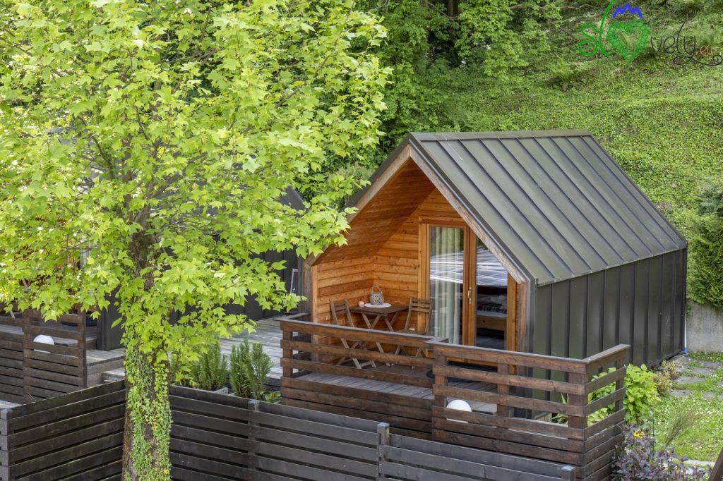 I bungalow di legno per gli amanti del glamping.