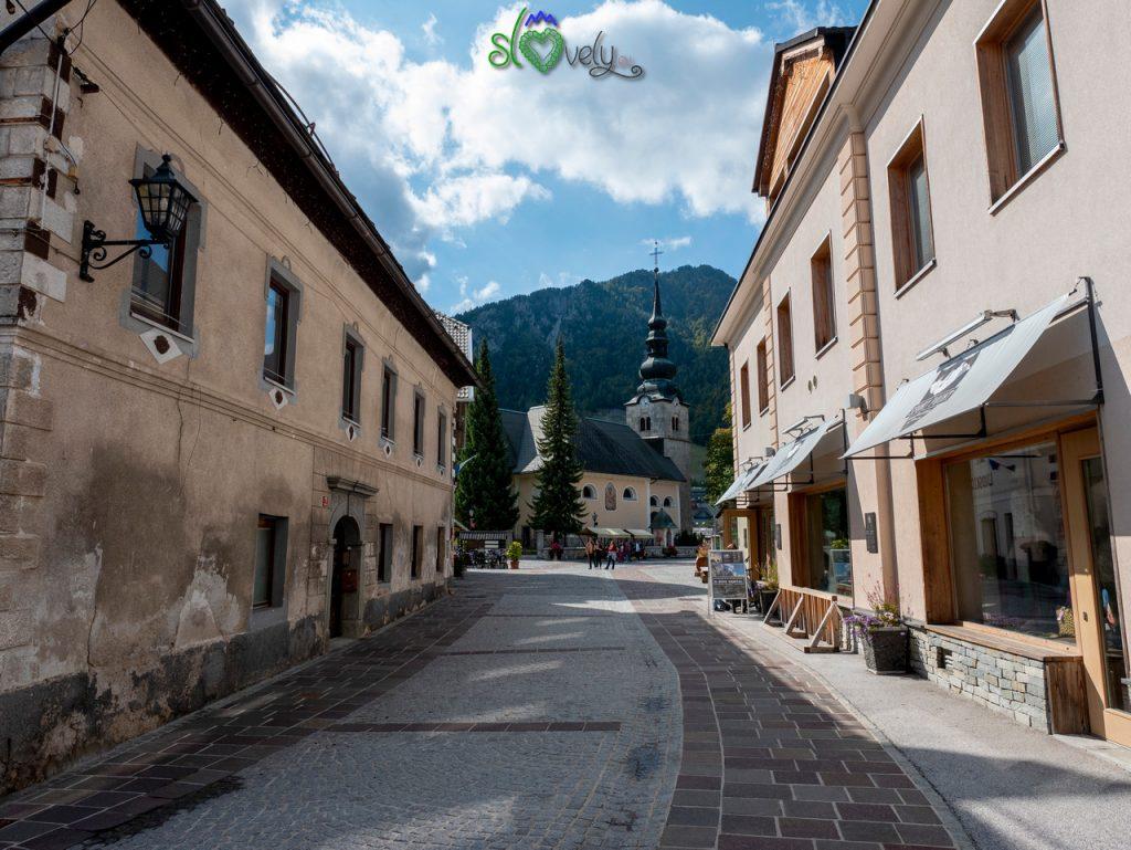 Per le vie del centro di Kranjska Gora.