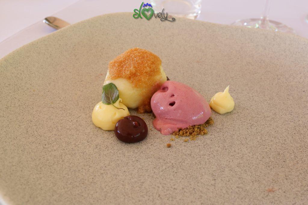 Gnocco con prugna e gelato di uva jurka.