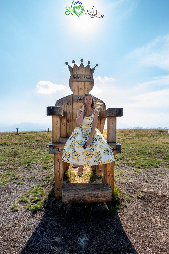 Come una regina, sulla sommità del Kope!