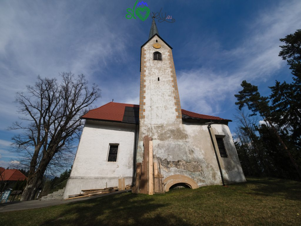 La chiesa di San Rocco a Sele.